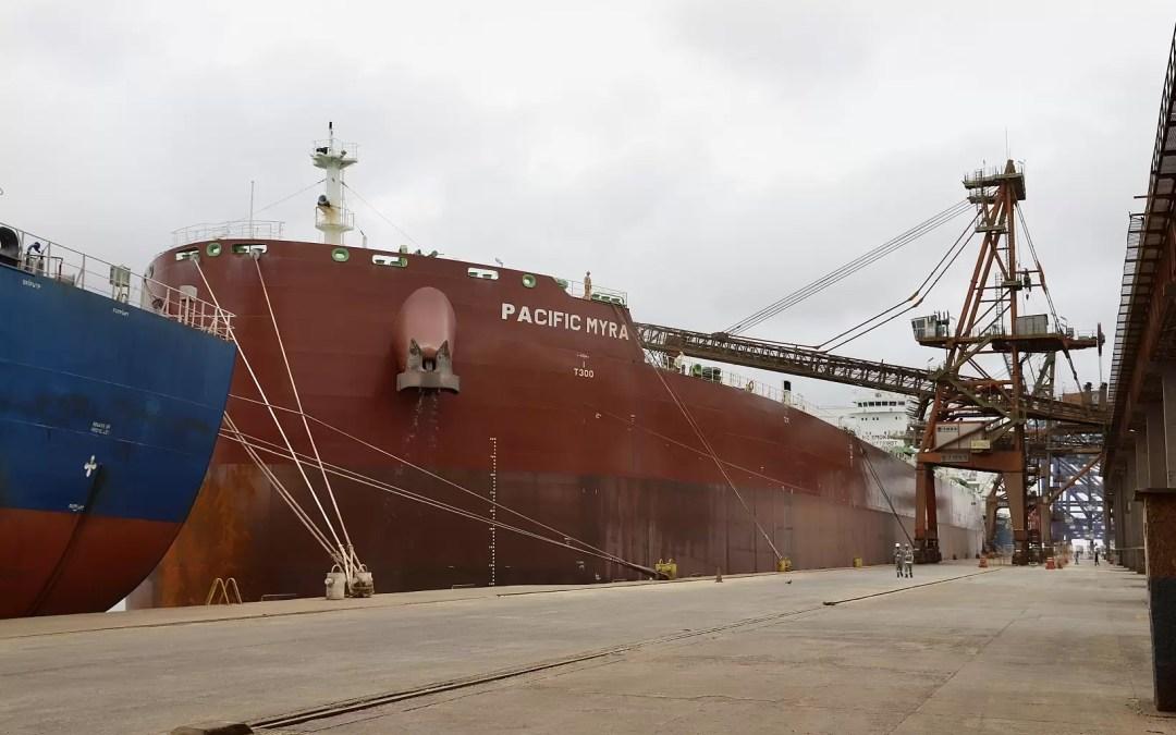 Embarque recorde de farelo de soja é realizado no Porto de Paranaguá