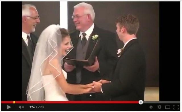 sposa che ride, crepapelle, matrimonio