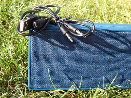 Cables Micro Usb y Auxiliar mini Jack 3.5 mm