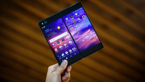ZTE vuelve fuerte, presenta dos patentes de Smartphone plegables