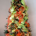 Outlet christmas tree decorating with deco mesh a video tutorial