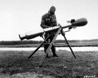 قذائف الهاون الأمريكية المسماهDavy Crockett والتي صممت في الخمسينيات وتعتبر اصغر الأسلحة النووية حجما