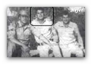 محمد عبد العاطي مع مجندين في سلاح الصاعقة