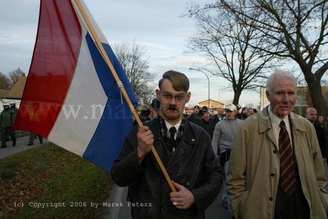 Foto HitlerImitat der NVU Nederlandse Volksunie mit