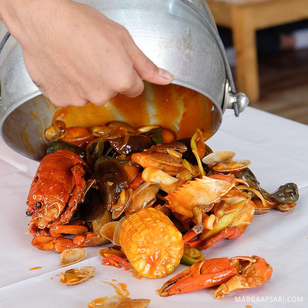 Makan di Djajan Seafood Tangerang