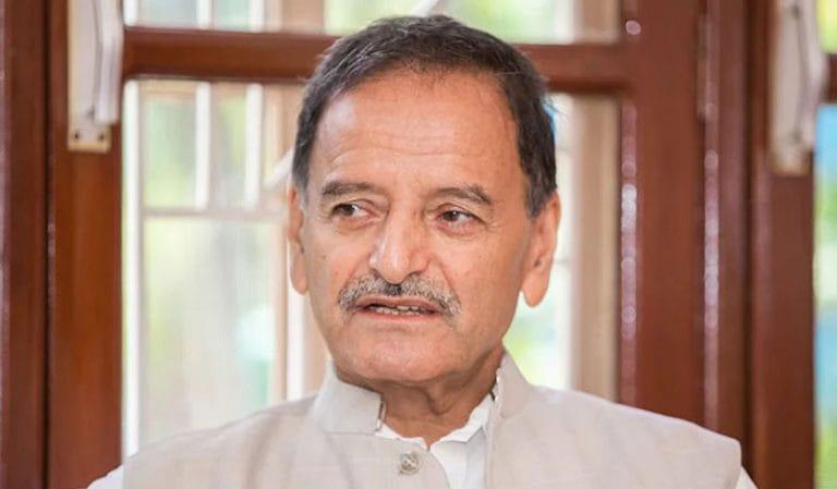 गुटले मात्र नेकपा र सरकारसँग संघर्ष गर्न नसक्ने भएकाले एक जुट हुनुपर्ने नेपाली कांग्रेसका नेता कृष्णप्रसाद सिटौला