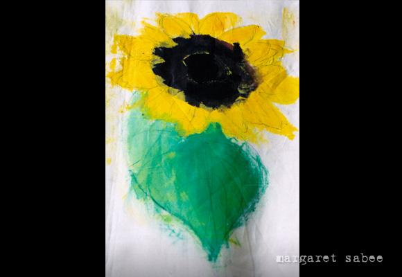 Zonnenbloemen kistkleed van Margaret Sabee Weefkunst Den Haag