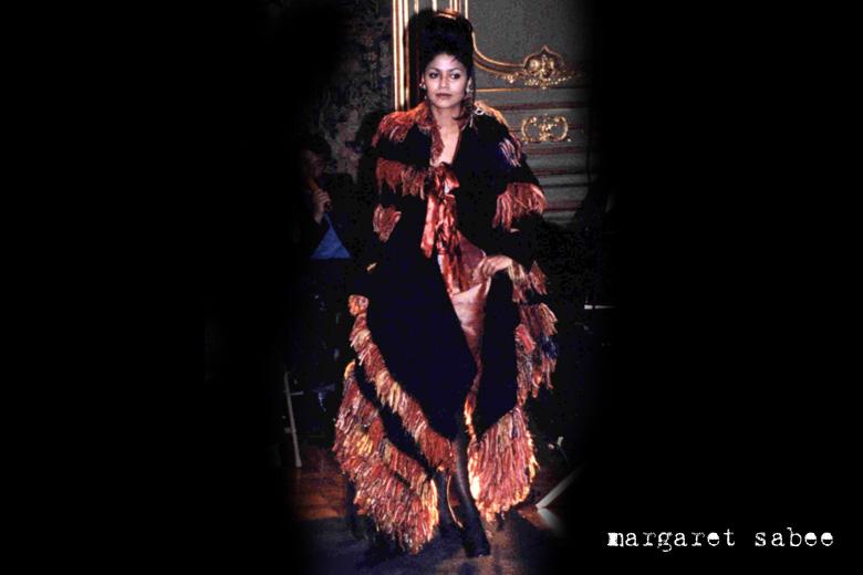 Modeshow met kleding van Margaret Sabee - Den Haag