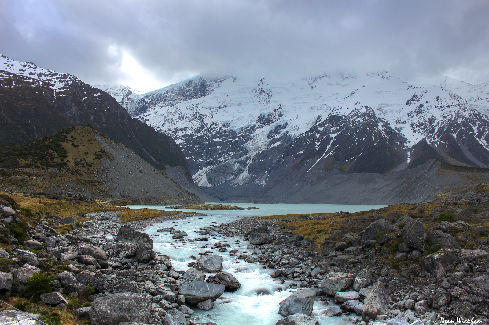 Mueller Glacial Lake, Hooker Valley, New Zealand