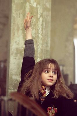 Non fate caso all'immagine, ieri ho visto Animali fantastici e dove trovarli, ho una figlia fan di Hermione Granger/Emma Watson, mi serviva una mano alzata e così...