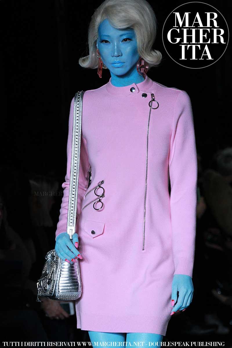 Moda inverno 2018 La sfilata di Moschino autunno inverno 2018 2019  Margheritanet donne moda oroscopo e amore