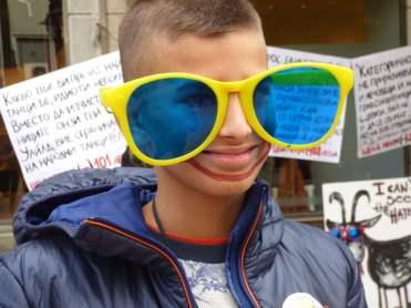 Стрийт акция за Световния ден на усмивката. Снимка: Светла Енчева.