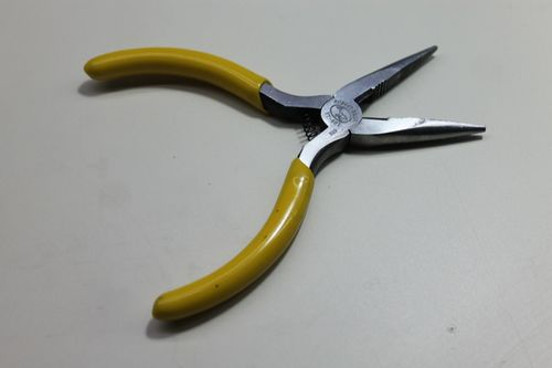 Needle-nosed pliers.jpg