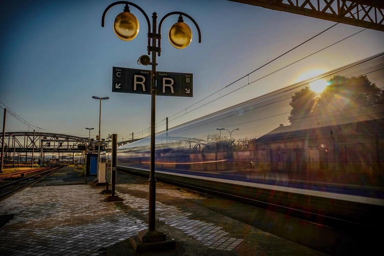 Dans la gare de La Rochelle par Mickaël Thibaud