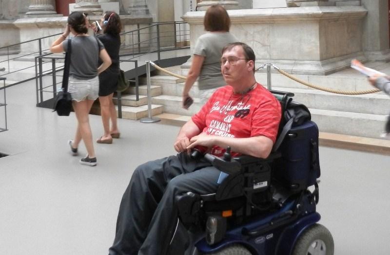 Der Rollstuhl im fernen Indien