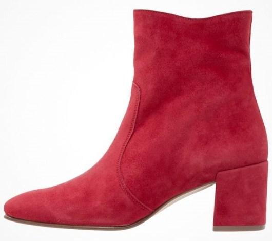 vinröda boots