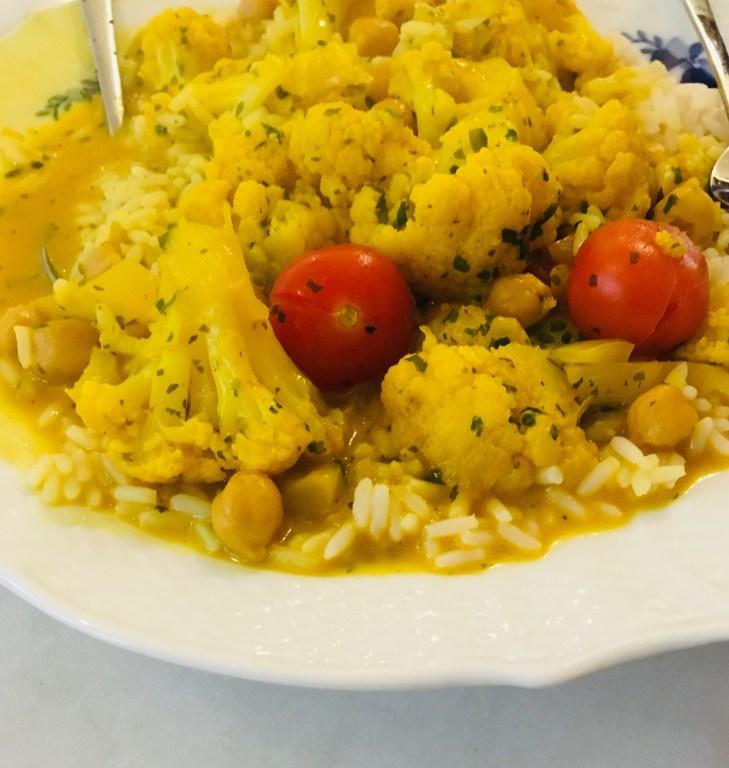 recept vegetarisk gryta med kokos och kikärter