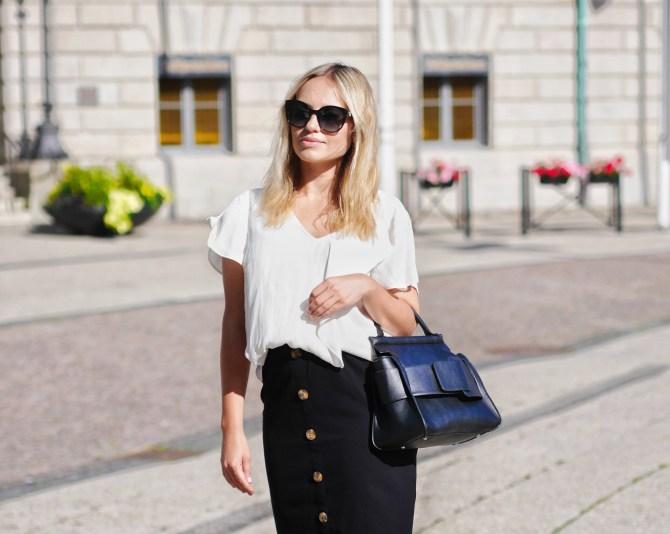 svart och beige outfit