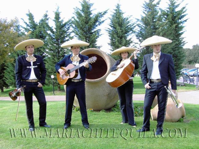 contratar-mariachis-barcelona