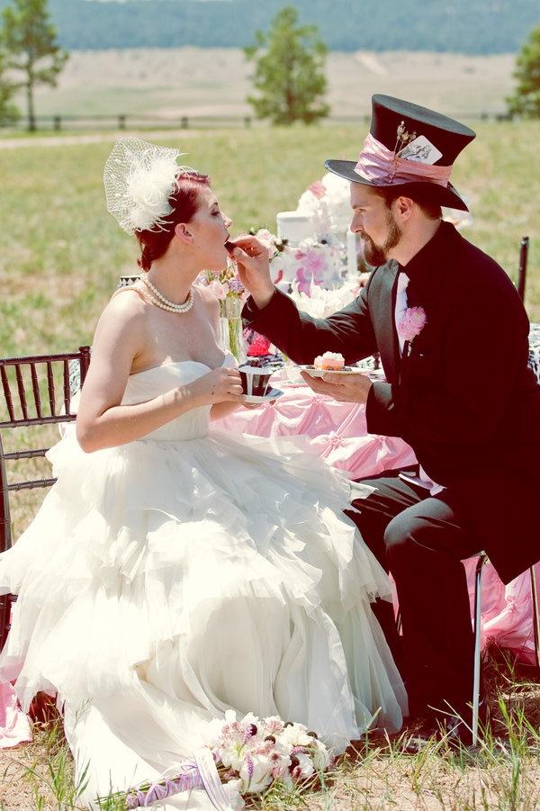 couple mariage alice au pays des merveilles
