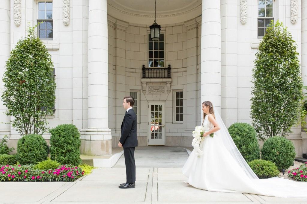 The Drake Chicago Wedding_0013.jpg
