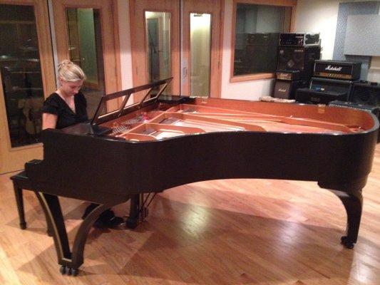 Mariah-June-piano-singer-actress-writer