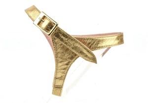solution pour garder ses escarpins, sangles amovibles en cuir or