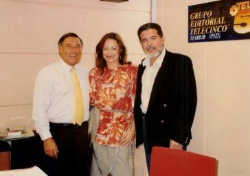 Enrique Garea, le presenta a María Juliana en Madrid a Vicente Rojas. Fue el comienzo de colaboraciones en canciones entre Vicente y María Juliana.
