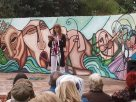 Marcela Predieri de la Revista Literaria Avispa se dirige al público