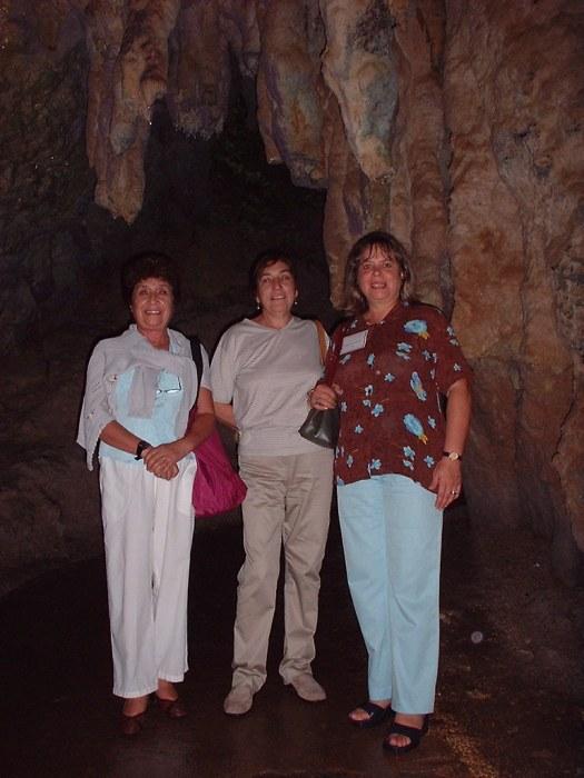 El encuentro culminó con un paseo a las cuevas de Camuy y el Museo de Ponce donde hicieron una presentación de sus trabajos en el sur de la Isla. No podía faltar ver el monumento a Julia de Burgos en Carolina