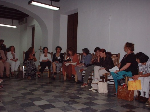 De una manera informal todas compartieron en una reunión del grupo sus inquietudes y sus trabajos.
