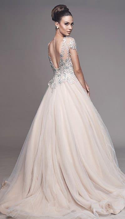 Eleganza e bellezza nella loro forma più evocativa e raffinata ; Vintage Wedding Dresses Marialuisa Benetti Bridal Venice Italy