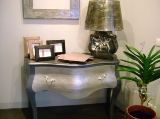 Restyling mobili comò grigio e argento