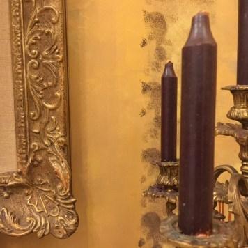 Cornici e candelabri dallo stile barocco