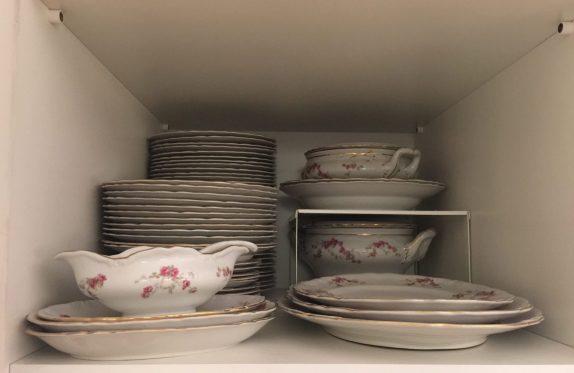 I ricordi nel servizio di famiglia in porcellana anche in questo caso l'importante è avere tutto diviso per i vari utilizzi