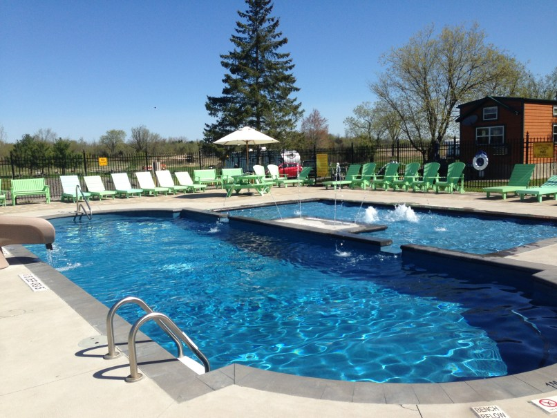Mallorytown KOA heated outdoor pool; RVing with kids on www.marianamcdougall.com