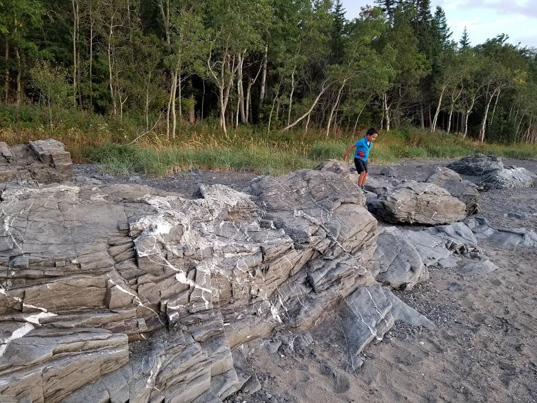 riviere du loup quebec rocks