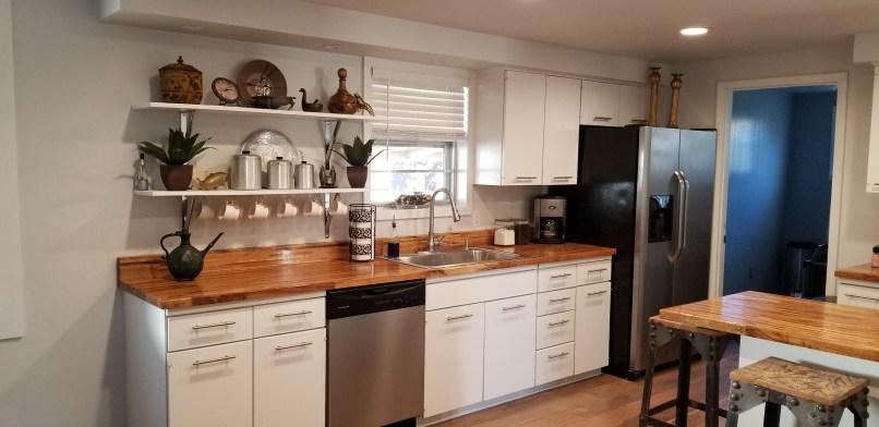 Hangout on Hidden Cove airbnb, Granbury, Texas, kitchen