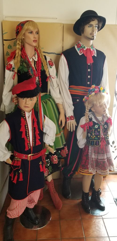 Manequins wearing traditional Polish dress.