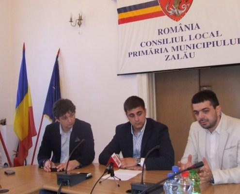 """Tineretul din """"Echipa lui Crin"""" în şedinţă la Zalău, mai 2013"""