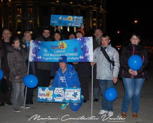 """Participare la acțiunea """"Pentru Voi iluminează în albastru Timișoara"""", aprilie 2015"""