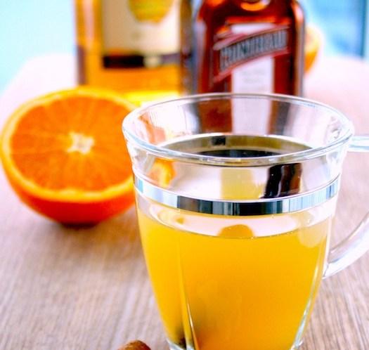 Ingeniørfruens toddy med rom, appelsin, appelsinlikør og krydder