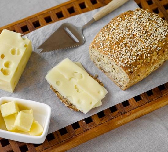 Ingeniørfruens-oppskrift-på-ost-og-nøttebrød-med-lavkarbo-brødmix