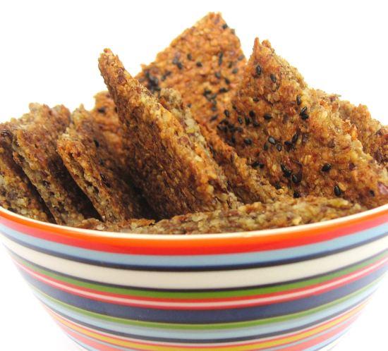 Sunn oppskrift på enkle glutenfrie lavkarbo knekkebrød