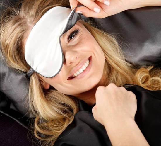 MellyMoon-silkeputetrekk-og-øyemasker