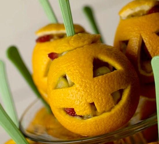 oppskrift-på-fruktsalat-i-halloween-appelsin