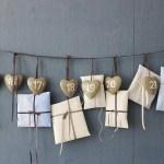 Adventskalender med nummererte hjerter
