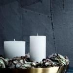 Adventsfat med planter og kubbelys