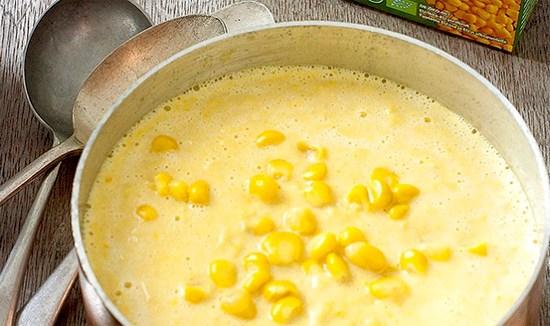 KJØTTFRI-MANDAG-Sunn-oppskrift-på-maissuppe-med-parmesan-og-trøffel