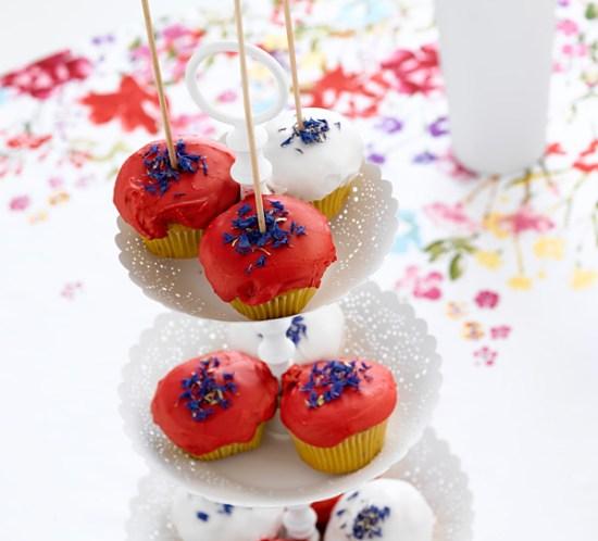 INTERIØRTIPS Muffins på kreativ borddekking til 17. mai